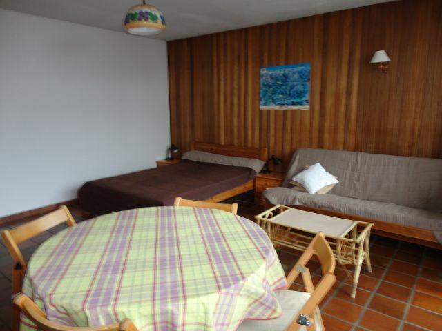 Location au ski Studio 5 personnes (02) - Residence Les Lothiers - Les Carroz - Table