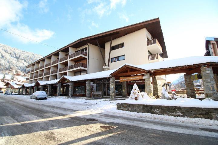 Location au ski Studio coin montagne 4 personnes (282) - Residence Plate - Les Carroz - Extérieur hiver