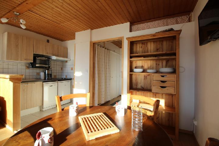 Location au ski Studio coin montagne 4 personnes (282) - Residence Plate - Les Carroz - Coin repas