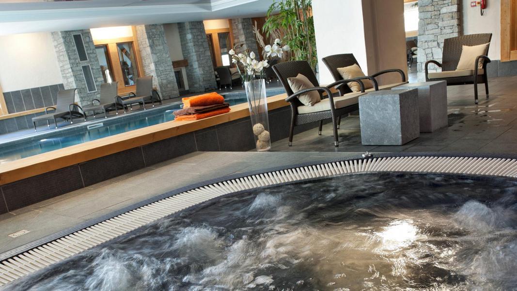 Rent in ski resort Résidence les Chalets de Jouvence - Les Carroz - Jacuzzi