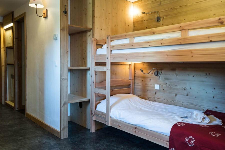 Location chambre 3 personnes aux carroz ski planet for Chambre 3 personnes
