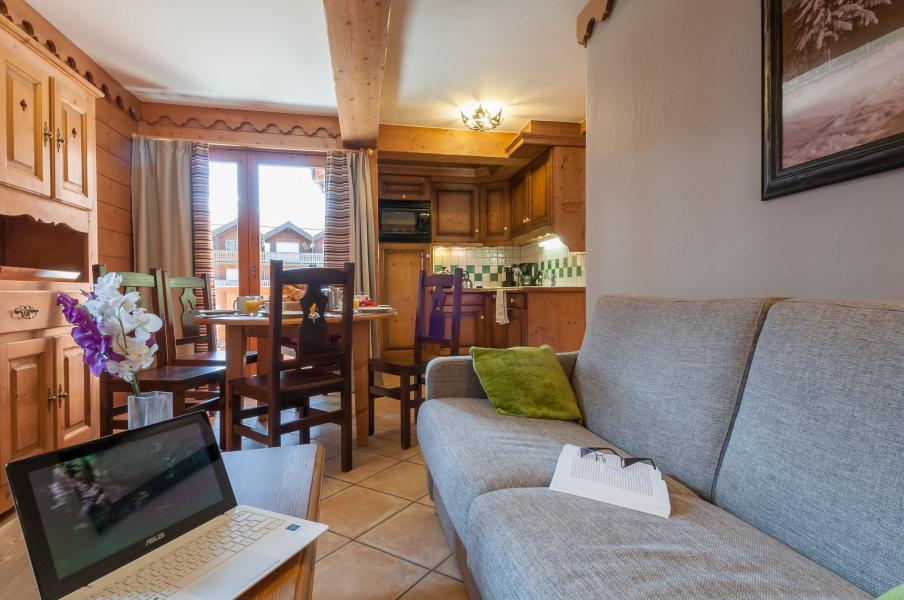 Location au ski Résidence P&V Premium les Fermes du Soleil - Les Carroz - Canapé