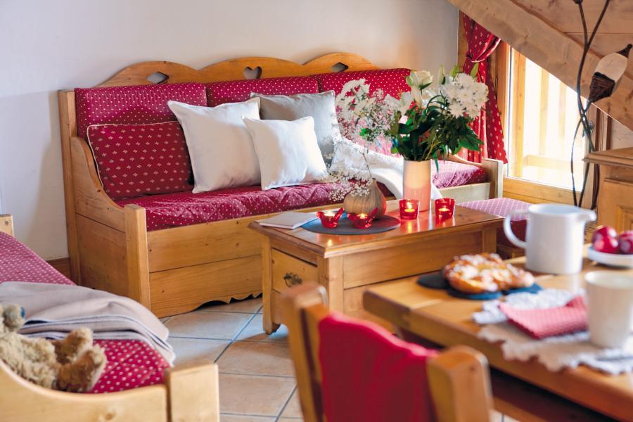 Location au ski Résidence P&V Premium les Fermes du Soleil - Les Carroz - Coin séjour