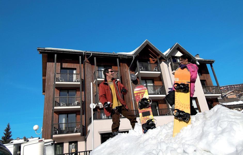 Vacances en montagne Résidence Sunotel - Les Carroz - Extérieur hiver