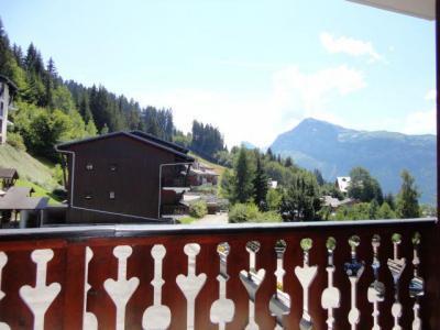 Location au ski Studio 4 personnes (06) - Residence Front De Neige - Les Carroz