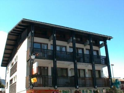 Location au ski Studio 5 personnes (02) - Residence Les Lothiers - Les Carroz - Extérieur hiver