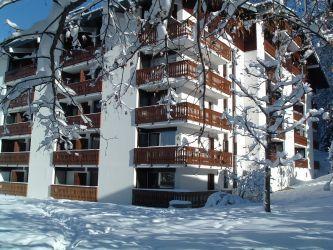 Location au ski Studio cabine 6 personnes (GB1) - Residence Les Mazots - Les Carroz - Extérieur hiver