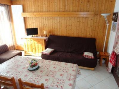 Location au ski Studio cabine 6 personnes (GB1) - Residence Les Mazots - Les Carroz - Canapé