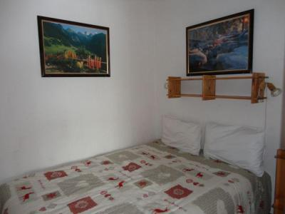 Location au ski Studio cabine 6 personnes (GB1) - Residence Les Mazots - Les Carroz - Chambre