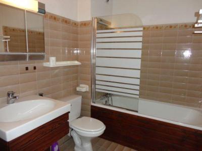 Location au ski Studio cabine 6 personnes (GB1) - Residence Les Mazots - Les Carroz - Salle de bains