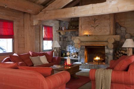 Location au ski Résidence P&V Premium les Fermes du Soleil - Les Carroz - Cheminée