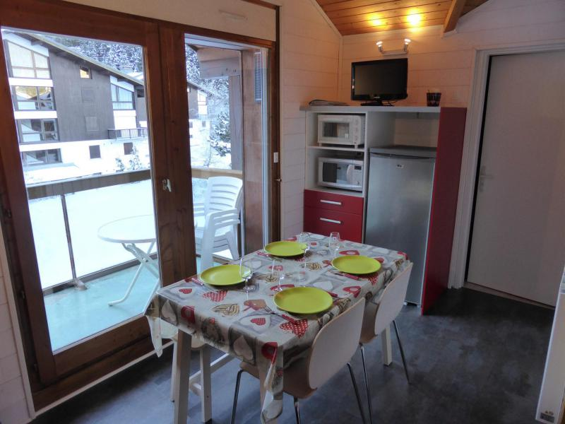Rent in ski resort 2 room apartment 5 people (F406) - Résidence Pierres Blanches - Les Contamines-Montjoie - Living room