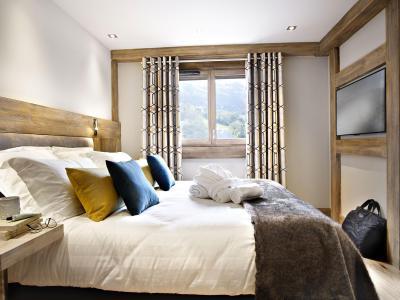 Rent in ski resort Les Chalets Eléna - Les Houches - Bedroom