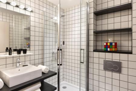 Rent in ski resort Rockypop Hotel - Les Houches - Shower room