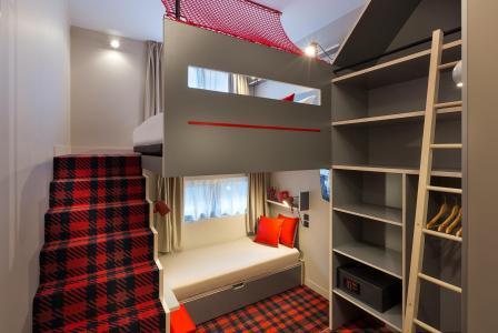 Rent in ski resort Rockypop Hotel - Les Houches - Stairs