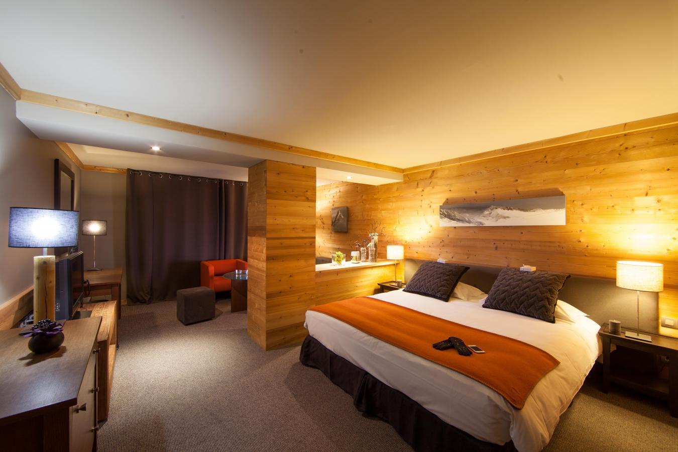 Chalet hotel le kaya les menuires location vacances ski for Hotel au ski
