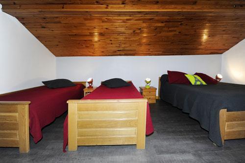 Location au ski Appartement 3 pièces 8 personnes - Chalet Le Genepi - Les Menuires - Chambre mansardée