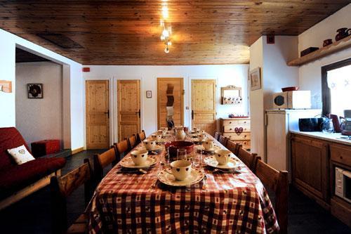 Location au ski Appartement 3 pièces 8 personnes - Chalet Le Genepi - Les Menuires - Table