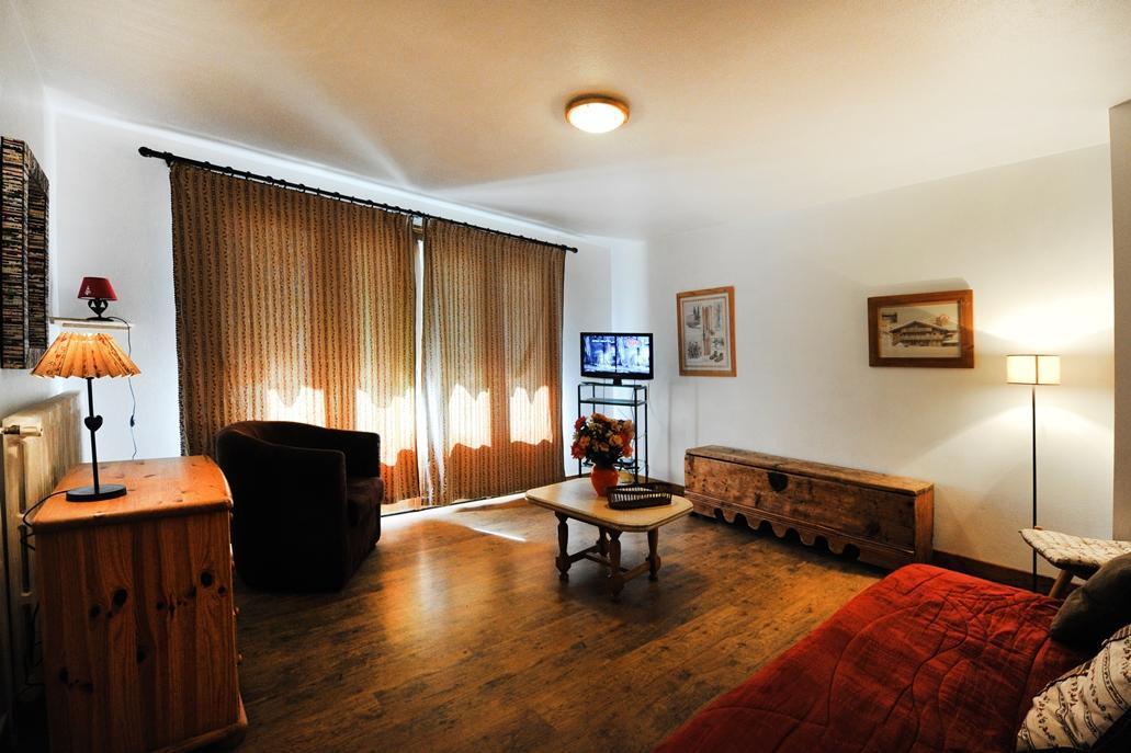 Location au ski Appartement 5 pièces 8 personnes - Chalet Le Genepi - Les Menuires - Tv à écran plat