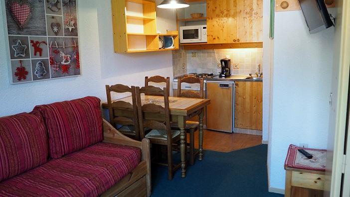 Location au ski Appartement 2 pièces 4 personnes (130) - La Residence Boedette - Les Menuires - Canapé