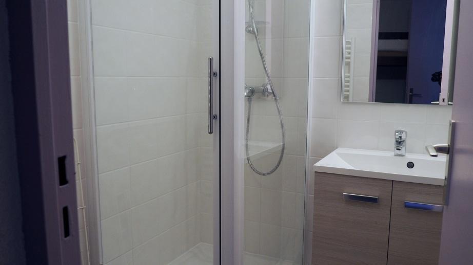 Location au ski Studio cabine 4 personnes (514) - La Residence Boedette - Les Menuires - Salle de bains