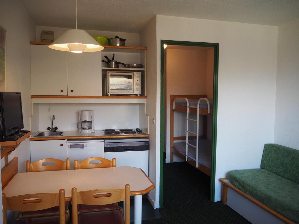 Location au ski Studio cabine 3 personnes (306) - La Residence Le Necou - Les Menuires - Coin séjour
