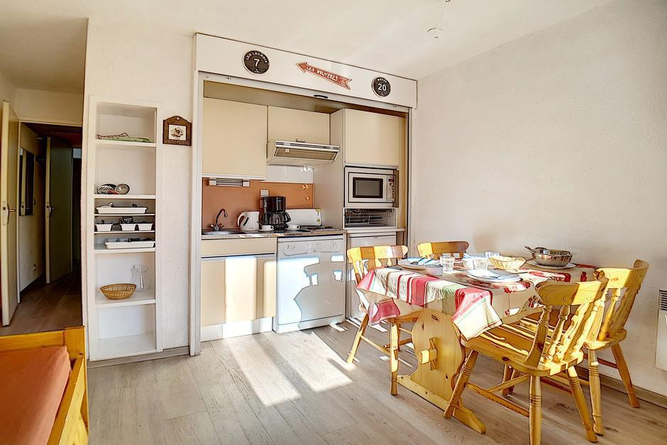 Location au ski Studio cabine 4 personnes (224) - La Residence Le Sorbier - Les Menuires - Lits superposés