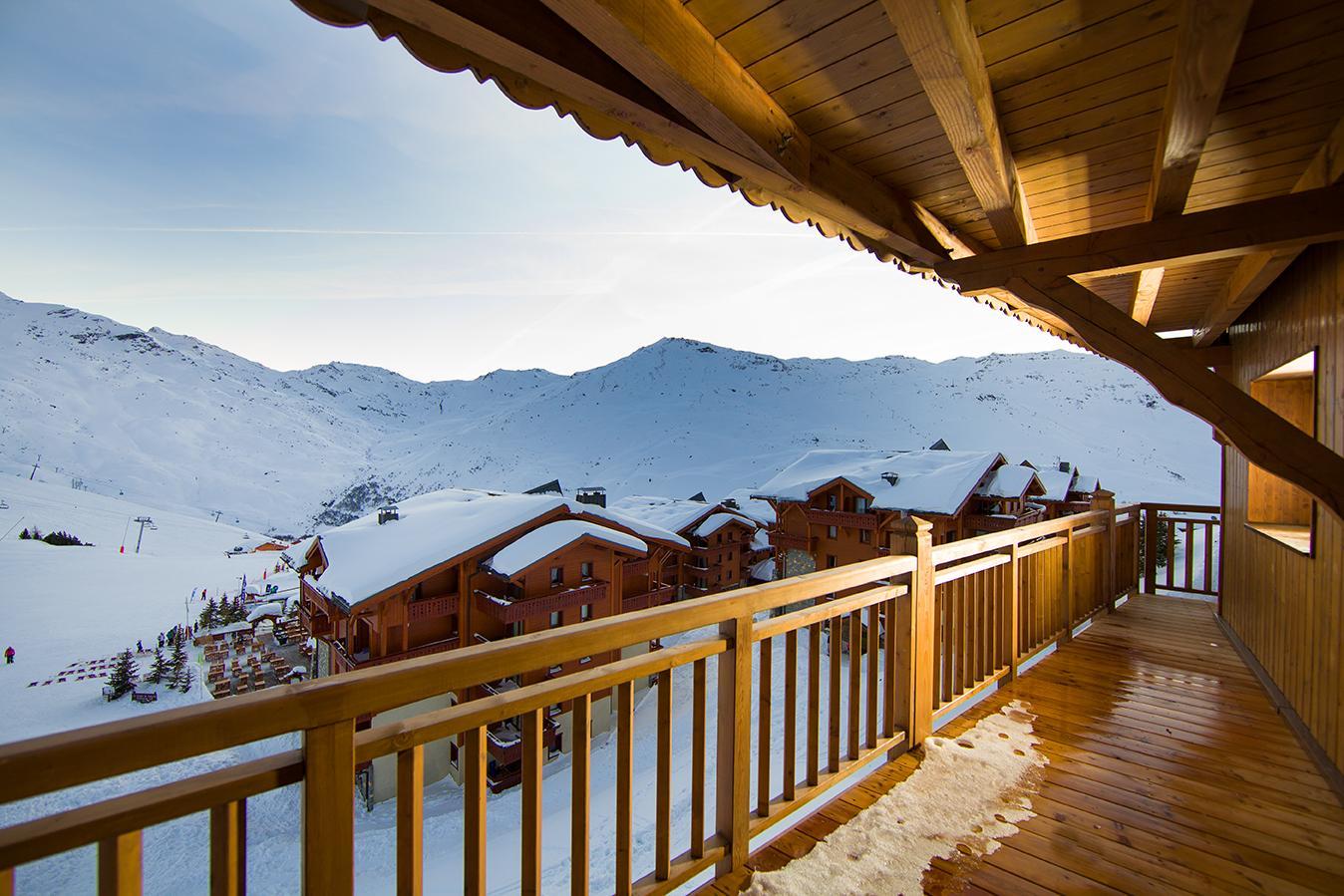 les chalets du soleil contemporains les menuires location vacances ski les menuires ski planet