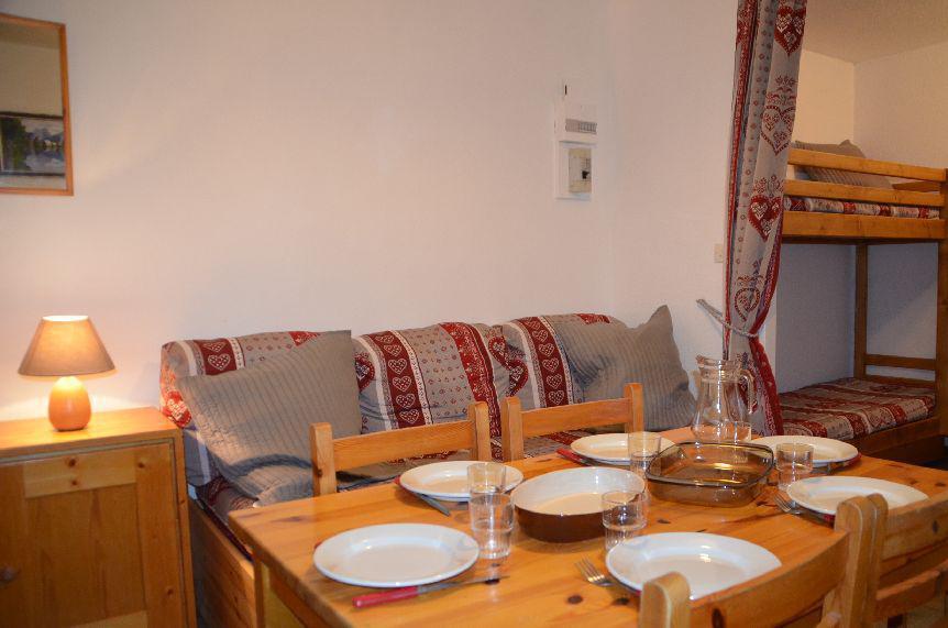 Location au ski Studio 3 personnes (131) - Residence Argousier - Les Menuires - Canapé