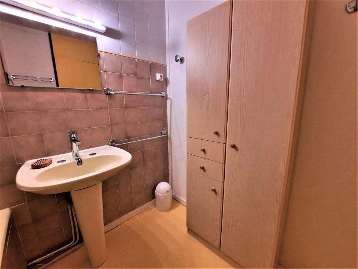 Location au ski Appartement 2 pièces 6 personnes (11) - Residence Belledonne - Les Menuires - Salle de bains