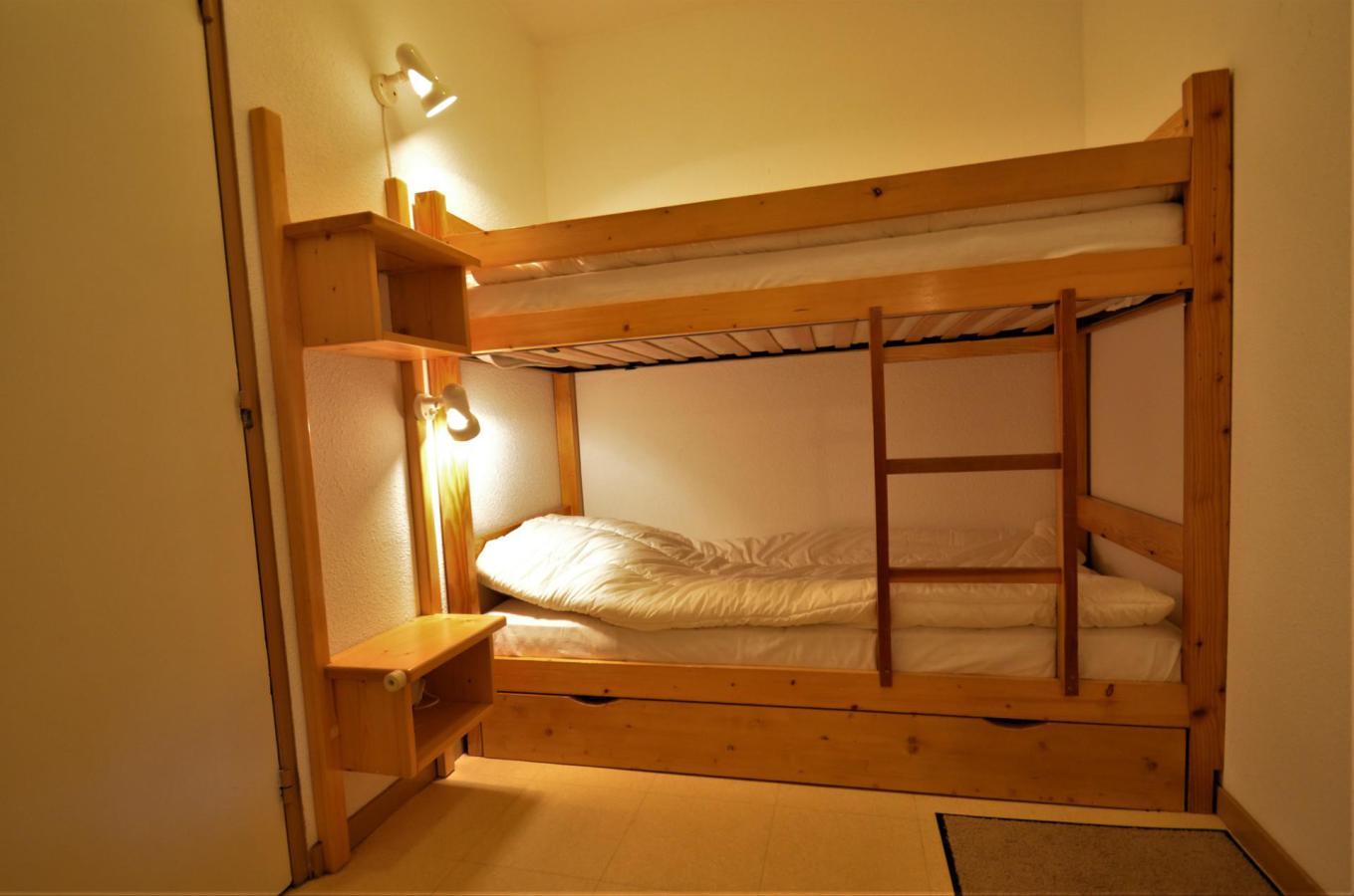 Location au ski Appartement 2 pièces coin montagne 6 personnes (C137) - Residence Le Jettay - Les Menuires - Lits superposés