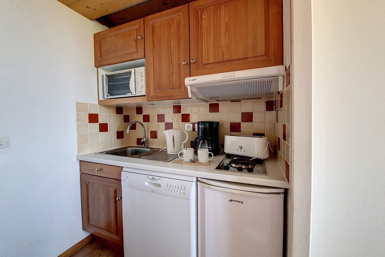 Location au ski Appartement 1 pièces 4 personnes (216) - Residence Le Median - Les Menuires - Coin repas