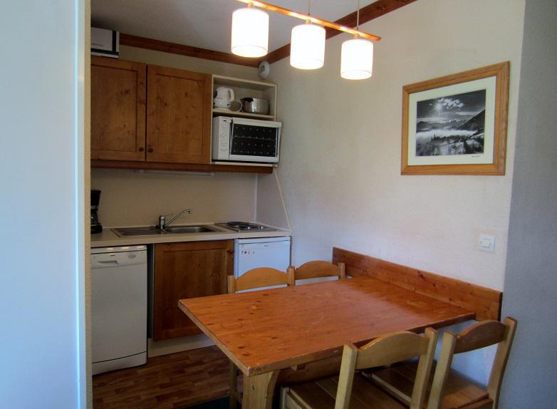 Location au ski Appartement 2 pièces 4 personnes (302) - Residence Le Median - Les Menuires - Coin repas