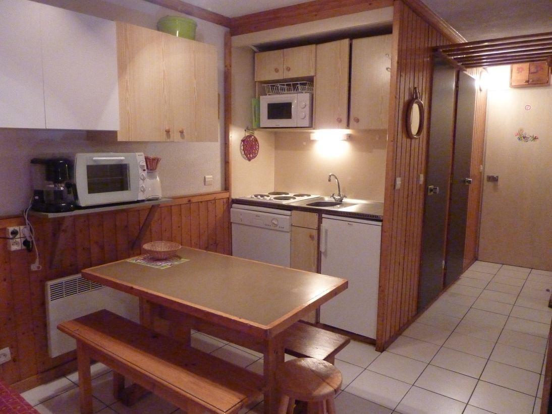 Location au ski Studio cabine 4 personnes (114) - Residence Le Villaret - Les Menuires