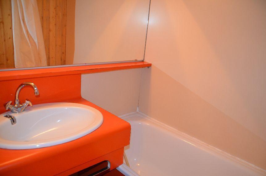 Location au ski Studio cabine 5 personnes (712) - Residence Le Villaret - Les Menuires - Extérieur hiver