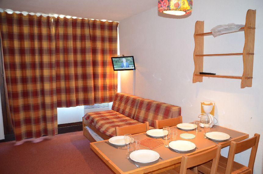 Location au ski Studio cabine 4 personnes (508) - Residence Le Villaret - Les Menuires - Séjour