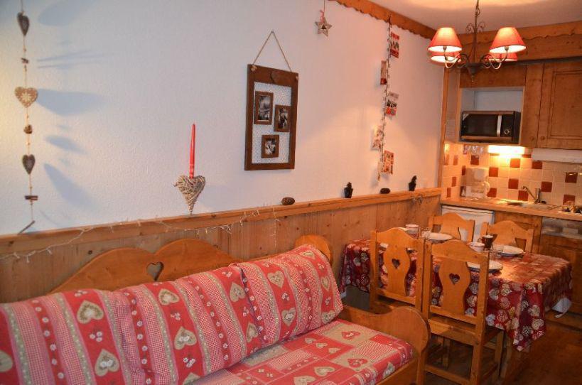 Location au ski Studio cabine 4 personnes (704) - Residence Le Villaret - Les Menuires - Kitchenette