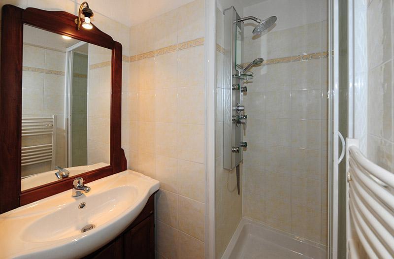 Location au ski Appartement 2 pièces 4 personnes (217) - Residence Les Balcons D'olympie - Les Menuires - Salle de bains