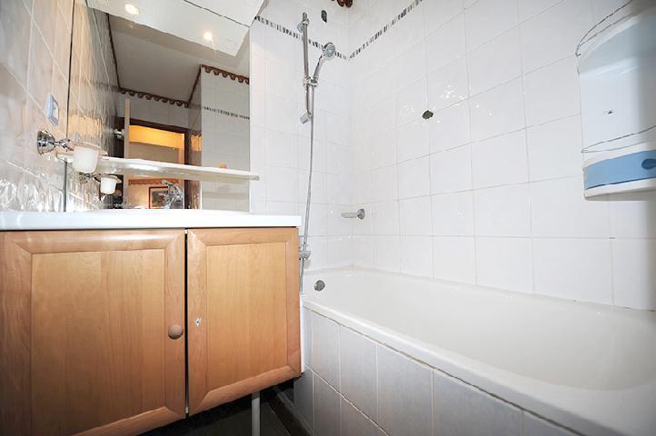 Location au ski Appartement 2 pièces 8 personnes (319) - Residence Les Balcons D'olympie - Les Menuires - Salle de bains