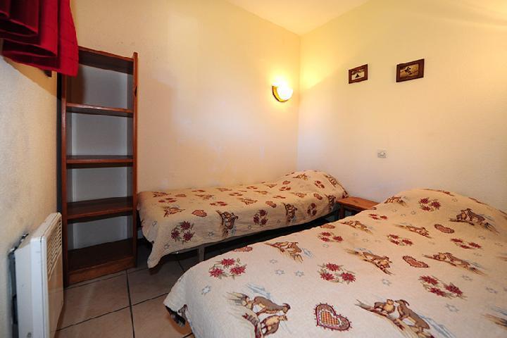 Location au ski Appartement 2 pièces cabine 6 personnes (050) - Residence Les Balcons D'olympie - Les Menuires - Lit simple