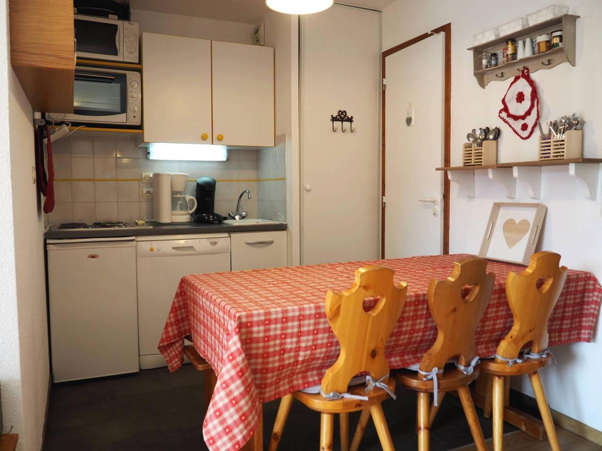 Location au ski Appartement 2 pièces cabine 6 personnes (109) - Residence Les Balcons D'olympie - Les Menuires - Kitchenette