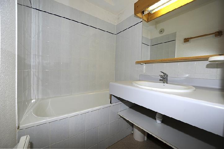 Location au ski Appartement 2 pièces cabine 6 personnes (110) - Residence Les Balcons D'olympie - Les Menuires - Salle de bains