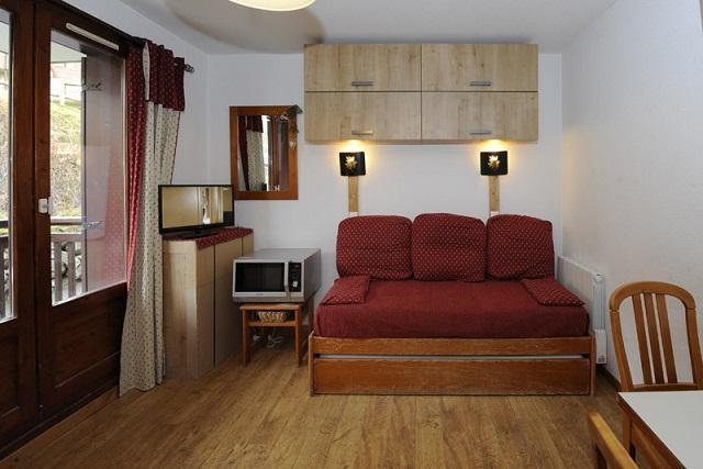Location au ski Studio cabine 4 personnes (108) - Residence Les Balcons D'olympie - Les Menuires - Canapé