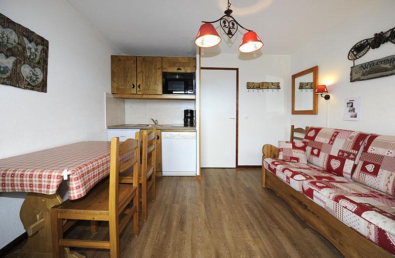Location au ski Studio cabine 4 personnes (301) - Residence Les Balcons D'olympie - Les Menuires - Séjour