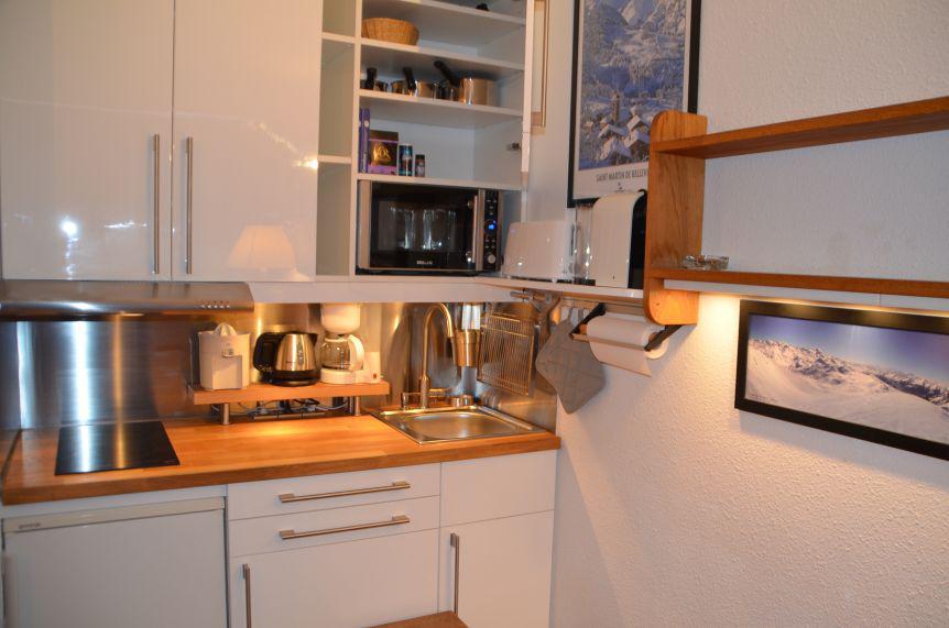 Location au ski Studio 3 personnes (303) - Residence Les Dorons - Les Menuires - Extérieur hiver