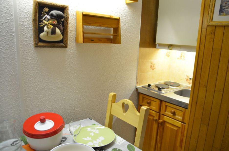 Location au ski Studio 2 personnes (106) - Residence Les Dorons - Les Menuires - Baignoire