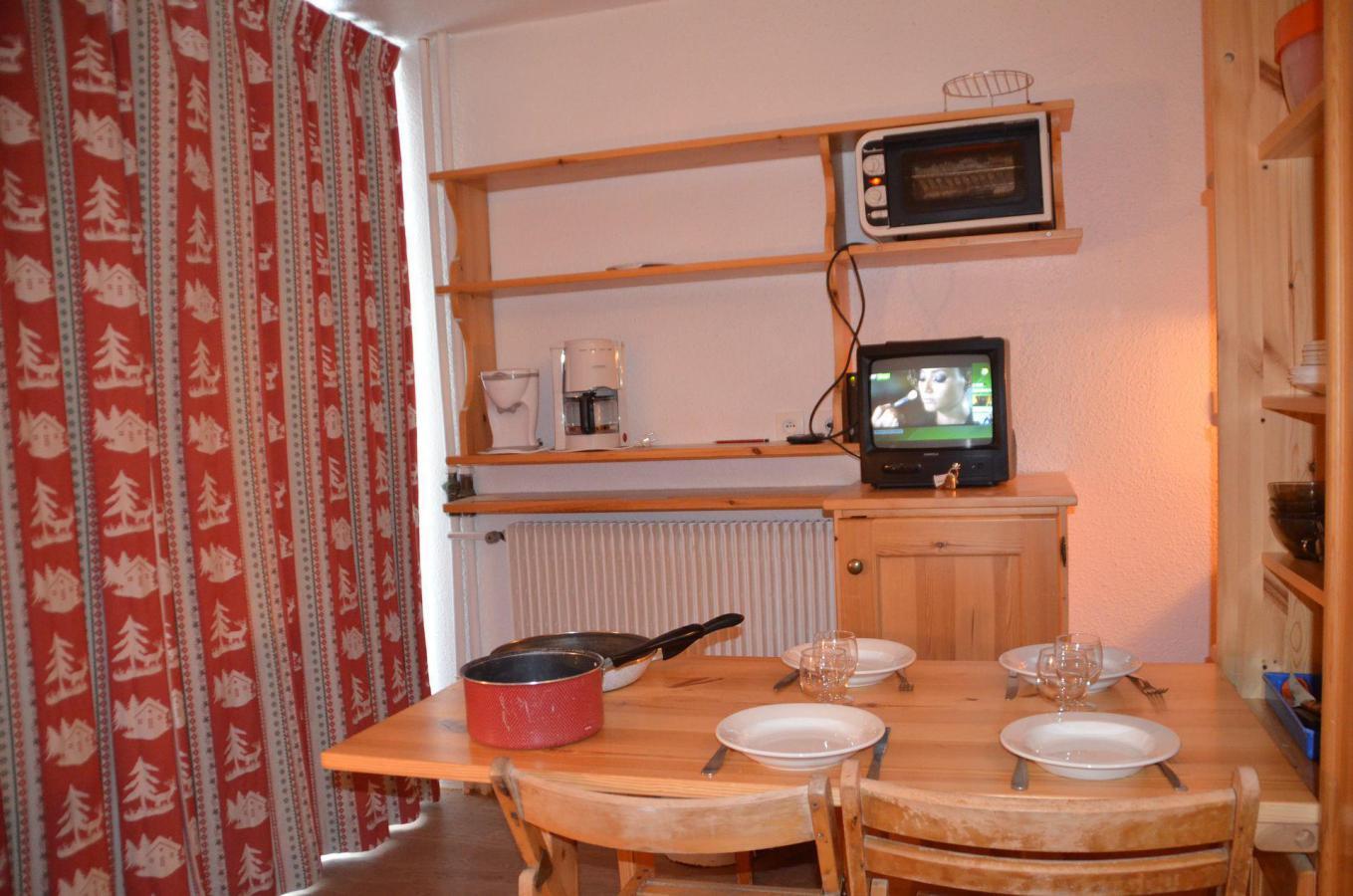 Location au ski Studio 2 personnes (606) - Residence Les Dorons - Les Menuires - Séjour