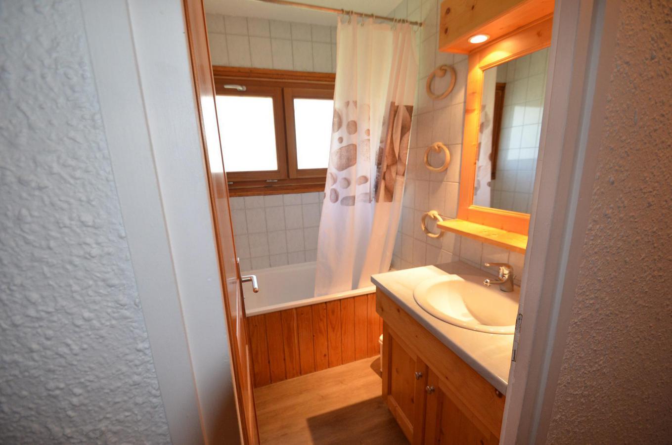Location au ski Appartement 3 pièces 8 personnes (106) - Residence Pelvoux - Les Menuires - Cuisine ouverte