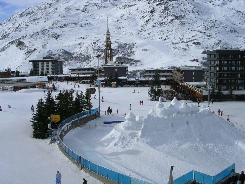 Location au ski Studio 3 personnes (32) - Residence Pelvoux - Les Menuires - Extérieur hiver