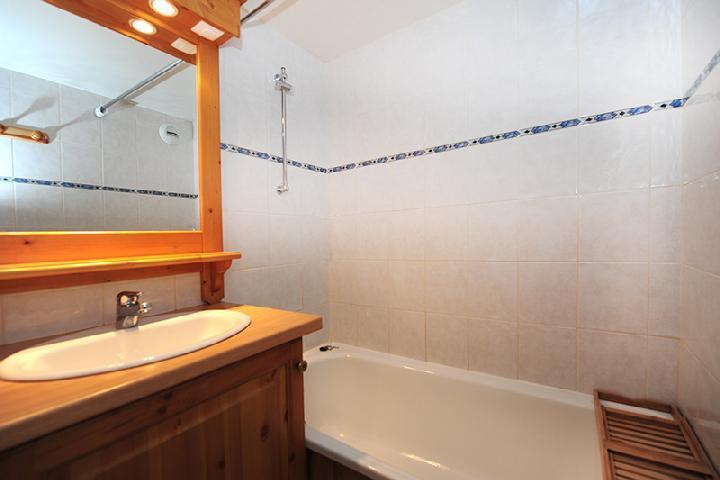 Location au ski Appartement 2 pièces cabine 5 personnes (104) - Residence Villaret - Les Menuires - Salle de bains